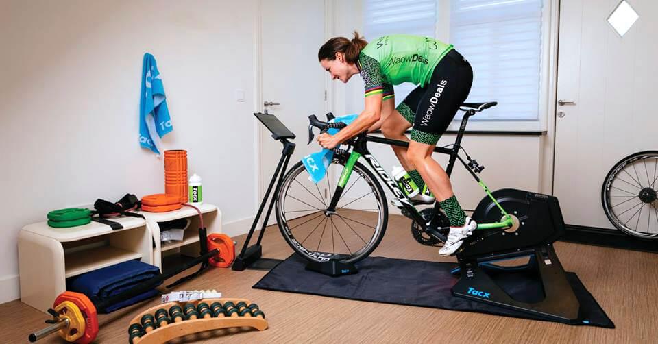 Marianne Vos in allenamento sui rulli